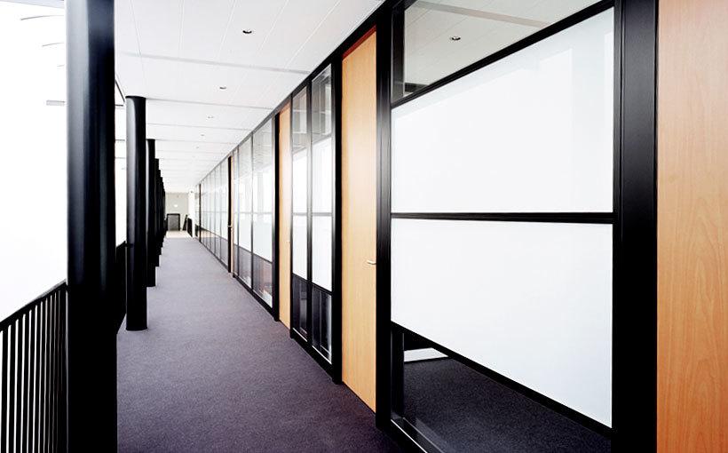 Комбинированная офисная перегородка модель